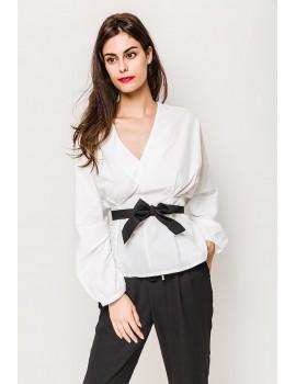 Λευκή μπλούζα με μαύρη ζώνη Lilie Rose