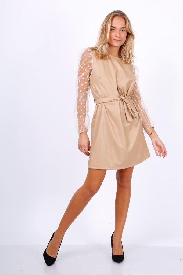 Φόρεμα από δερματίνη με πουά μανίκια από τούλι