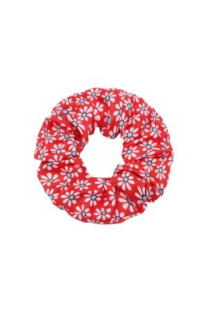 Κόκκινο scrunchie με μικρές μαργαρίτες